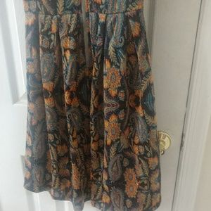 LuLaRoe Dresses - Lularoe Amelia dress (woven fabric)